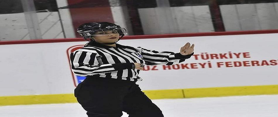 Kadın Hakemimiz IIHF Buz Hokeyi Kadınlar Şampiyonası'nda…