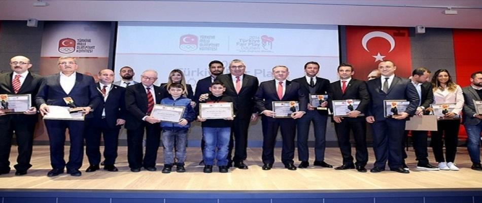 """Zeytinburnu B.S.K.'nın Gurur Günü: """"2016 Fair Play Ödülü"""""""